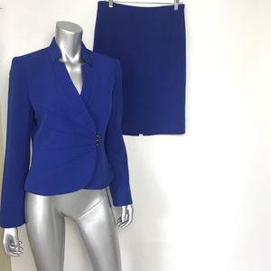 Tahari Skirt Suit Career business attire